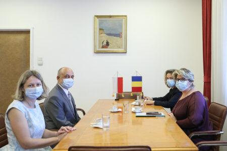 Primirea de către secretarul de stat pentru afaceri europene Iulia Mateia ambasadorului Poloniei, Maciej Lang, în vizită de prezentare