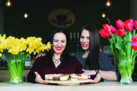 """Interviu cu Roxana Boghean și Vilarina Petre, fondatoare Vyro Raw & VeganBistro : """"Am construit o afacere de nișă atunci când nimeni nu ne dădea nicio șansă."""""""