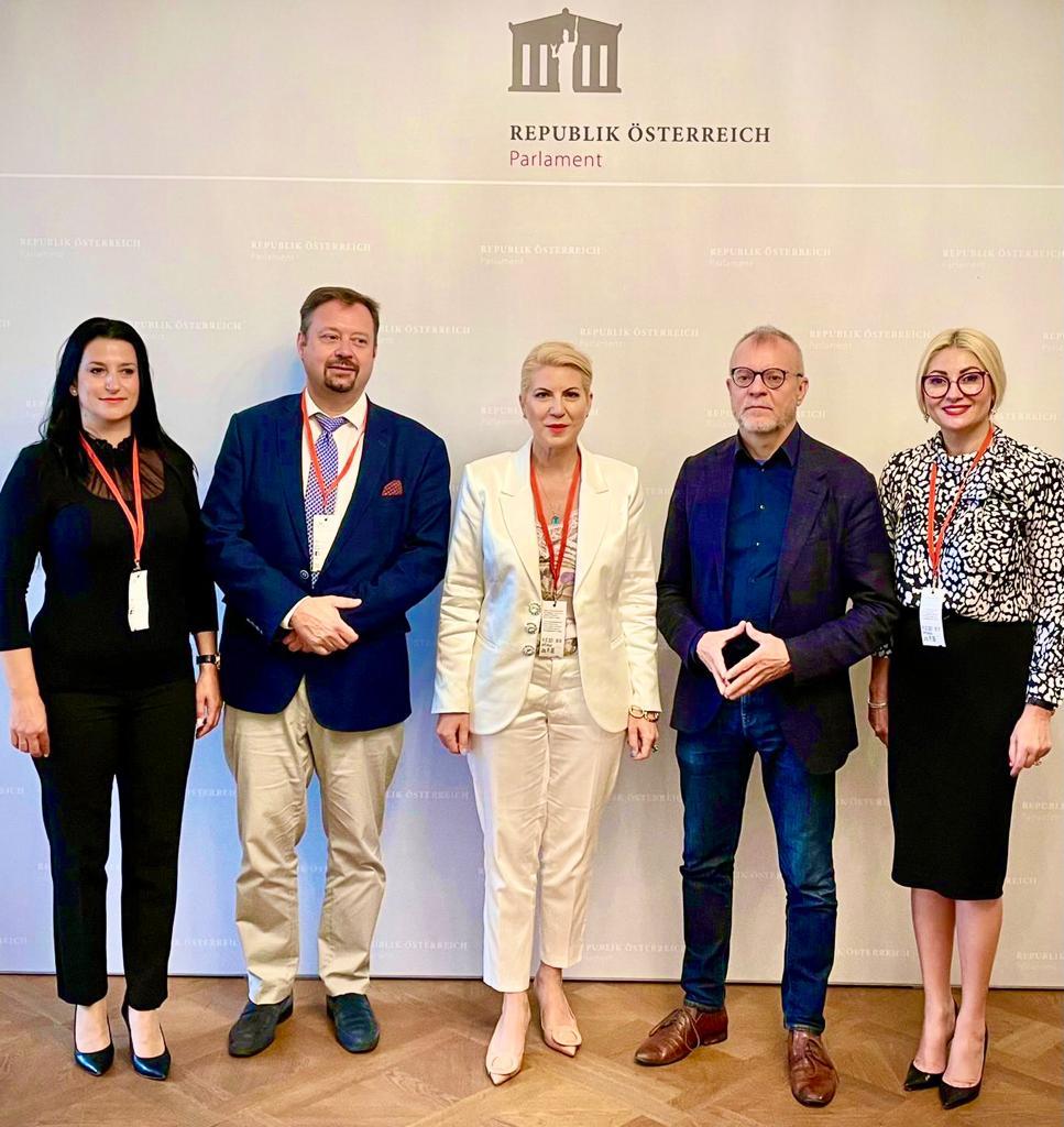 """""""Pactul pentru Educație Antreprenorială"""" la Parlamentul Austriac Cristina CHIRIAC: """"Învățământul profesional: oportunitate, nu inconvenient"""""""