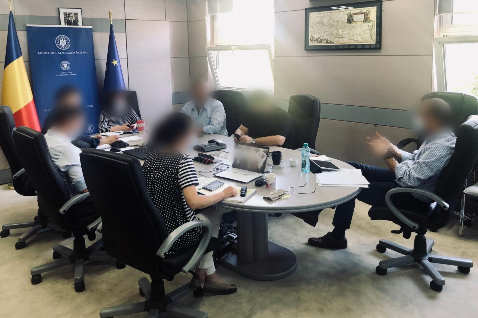 Celula de criză interinstituțională, convocată la data de 13 august de către ministrul afacerilor externe Bogdan Aurescu, continua să activeze