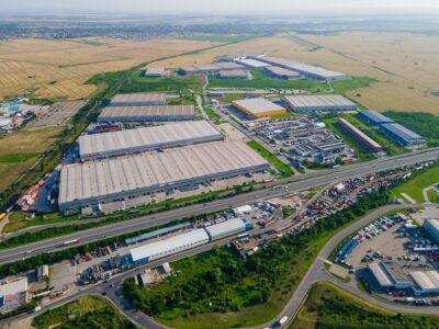 Depozite eficiente din punct de vedere energetic și parcuri sustenabile: un pas înainte pentru decarbonizarea sectorului industrial-logistic