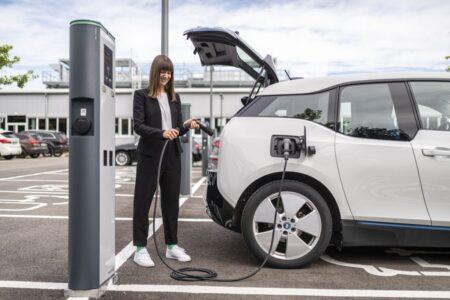 Bosch generează vânzări de peste un miliard de euro în sectorul electromobilității